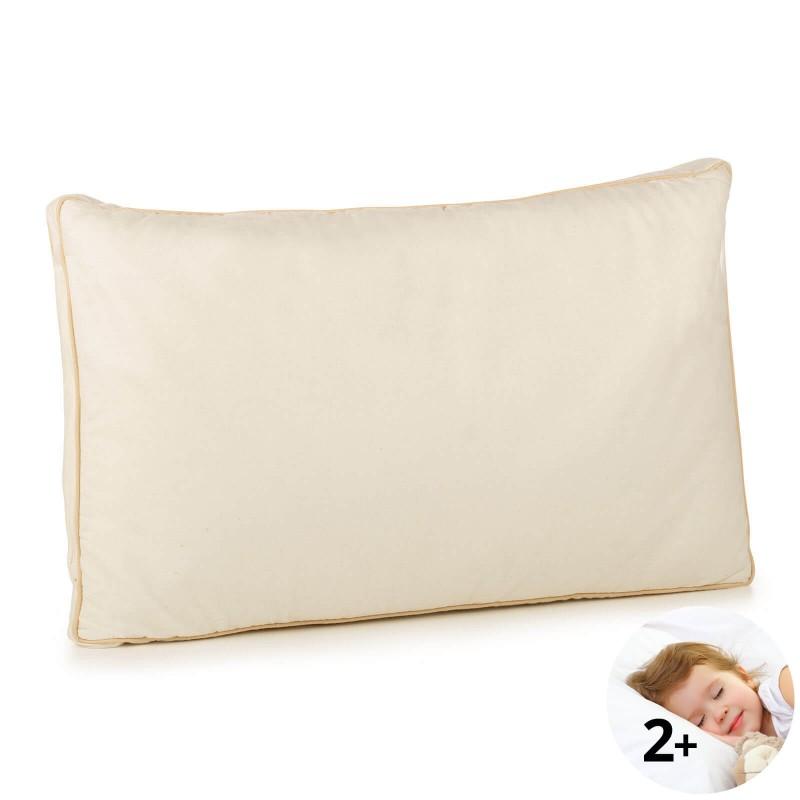 Klasična oblika vzglavnika za vse spalne položaje Bamboo Premium My First Pillow je primerna za najmlajše otroke, od drugega leta starosti naprej, kot tudi za tiste malo starejše, saj je vzglavnik nastavljiv po višini in trdoti. Kombinacija nebeljenega bombaža in naravnih bambusovih vlaken v prevleki vzglavnika je bila razvita posebej za občutljivo otrokovo kožo. Vzglavnik je v celoti pralen na 40 °C.