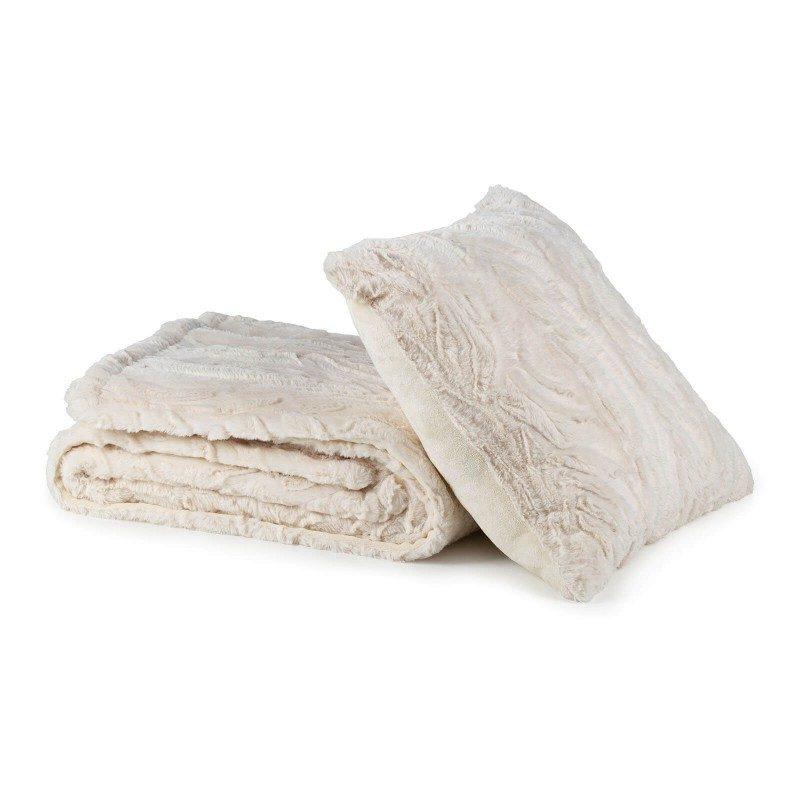 Mehka dekorativna odeja iz Adventure Deluxe kakovostnih mikrovlaken za prijetne trenutke udobja in sprostitev na vsakem koraku: v spalnici, dnevni sobi, na potovanju ali pikniku. Odejo lahko uporabljate na obeh straneh. Na eni strani je izredno mehka tkanina z občutkom najfinejšega gosjega puha, druga stran pa je gladka. Dekorativna odeja je lahko tudi odlično darilo, ki bo razveselilo vaše najbližje. Odeja je pralna na 30 °C.