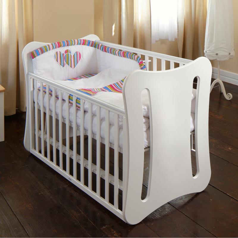 Kvalitetna posteljica Tim s pomično stranico in nastavljivo višino za udoben spanec vašega malčka.