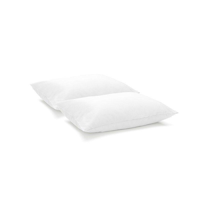 Set prevlek Miha predstavlja idealno rešitev, ko ne potrebujete celotne posteljnine. Prevleki sta iz mehkega bombažnega satena, ki je stkan iz visokokakovostne, tanke preje. Čudovit okras vaše spalnice in hkrati odlična izbira za udoben in prijeten spanec. Klasične enobarvne prevleke za kombiniranje k različnim dizajnom posteljnine. Prevleki sta pralni na 40 °C.