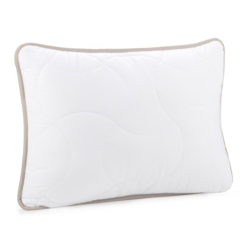 Klasičan prilagodljiv jastuk, primjeren za osobe sklone alergijama. Dimenzija 50x70 cm.