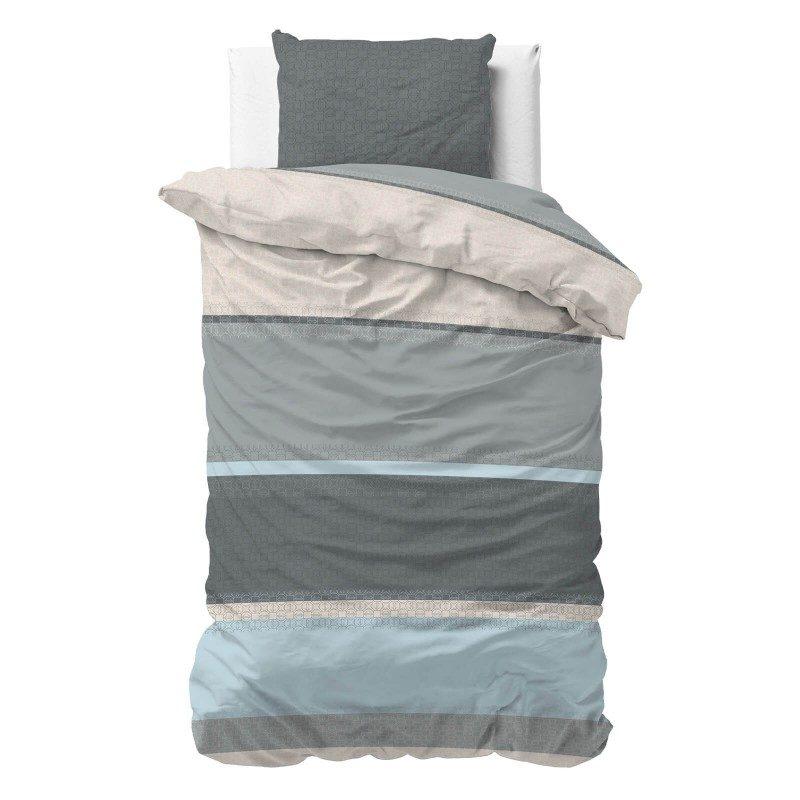 Vrijeme je za potpuno uživanje s modernom pamučnom posteljinom! Posteljina Tony od renforce platna, mekane tkanine, jednostavna za održavanje. Posteljina od pamuka je čudesan je ukras vaše spavaće sobe, a u isto vrijeme odličan izbor za udoban i ugodan san. Posteljina je periva na 40 °C.