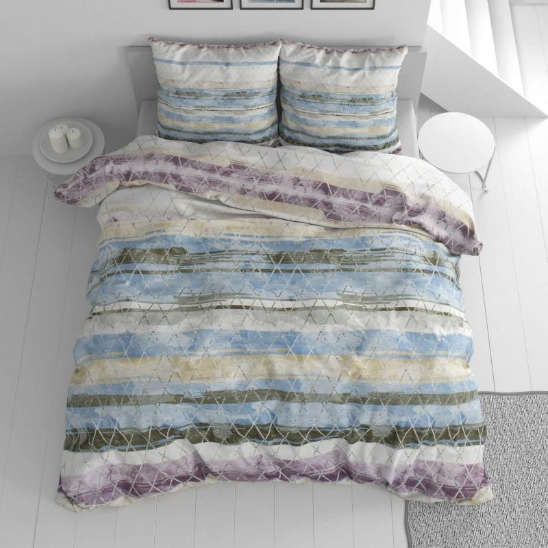 Vrijeme je za potpuno uživanje u modernim pamučnim posteljinama! Posteljina Aquarelle od renforce platna, mekane tkanine, jednostavne za održavanje. Posteljina je čudesan je ukras vaše spavaće sobe, a u isto vrijeme odličan izbor za udoban i ugodan san. Posteljina je periva na 40 °C.