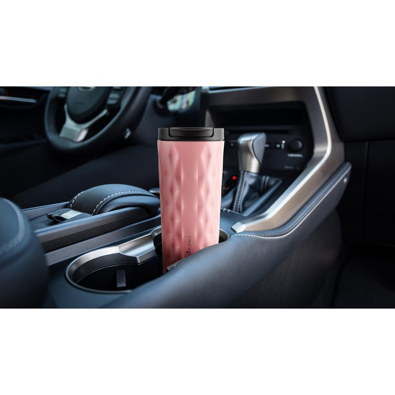 """Termo lončić za kavu ili čaj Rosmarino od kvalitetnog nehrđajućeg čelika sa dvostrukom izolacijskom stijenkom koja održava napitak hladnim do 8 sati i toplim do 4 sata. Lončić za višekratnu upotrebu je najbolja alternativa lončiću za jednokratnu upotrebu, ne sadrži petrokemikalije i BPA, ne pušta umjetni okus pića. Lončić zapremnine 500 ml savršene veličine za vaš najdraži napitak """"to go"""": kavu, čaj i slično. Zahvaljujući poklopcu lončić ne prolijeva i 100% zadržava tekućinu. Primjeren za pretežito sve automobilske držače za lončiće."""