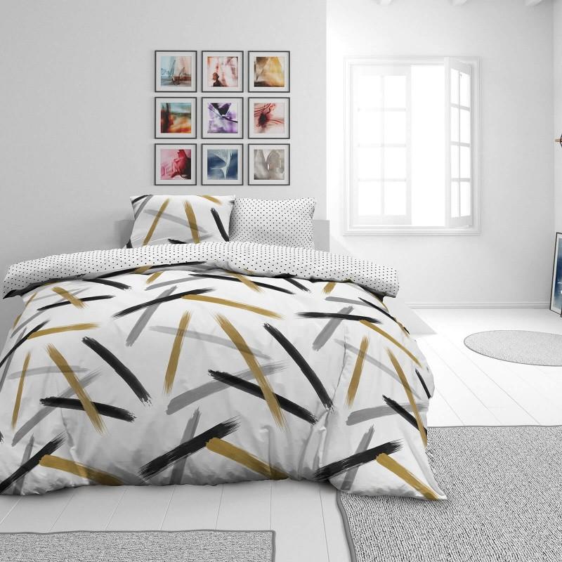 Vrijeme je za potpuno uživanje u modernim pamučnim posteljinama! Posteljina Brush Strokes od renforce platna, mekane tkanine, jednostavne za održavanje. Neka vas oduševi moderan dizajn s uzorkom crta za udoban i ugodan san. Posteljina je periva na 40 °C.