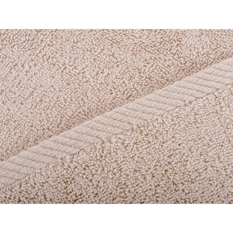 Ručnik od mekanog gusto tkanog pamuka s velikom moći upijanja. Ručnik ima ukrasnu borduru i pojačane šavove na rubovima. Ručnici dimenzija 50 x 100 cm, 70 x 140 cm i 100 x 180 cm.