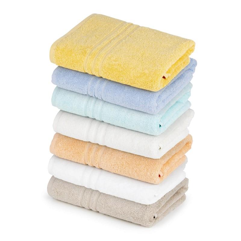 Ručnik izrađen od mekanog i dobro upijajućeg 100% pamuka. Klasični jednobojni ručnici, jednostavnog izgleda, perivi na 95 °C.