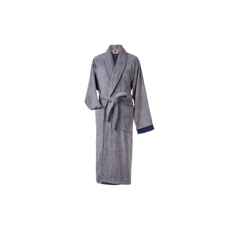 Muški bade mantil, izrađen od visokokvalitetnog pamuka, je klasičnog izgleda, dvobojan, sa preklopljenim džepovima i pojasom za vezivanje. Siva boje. Veličine: M, L, XL, XXL.