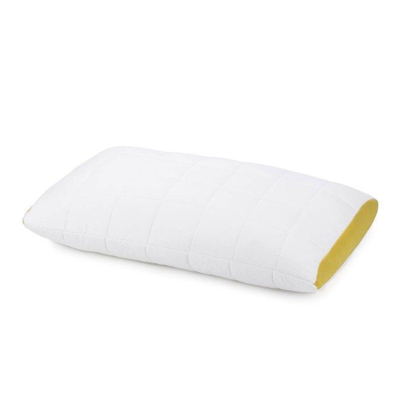Klasični jastuk Kamilica Aromatherapy, definitivno će vas uveriti u svestranost, jer je pogodan za sve položaje spavanja. Nežan miris kamilice, koji umiruje, pomaže u smanjenju nervne iscrpljenosti i nesanice, a pruža i dodatnu udobnost tokom spavanja. Jastuk je potpuno periv na 60 °C.