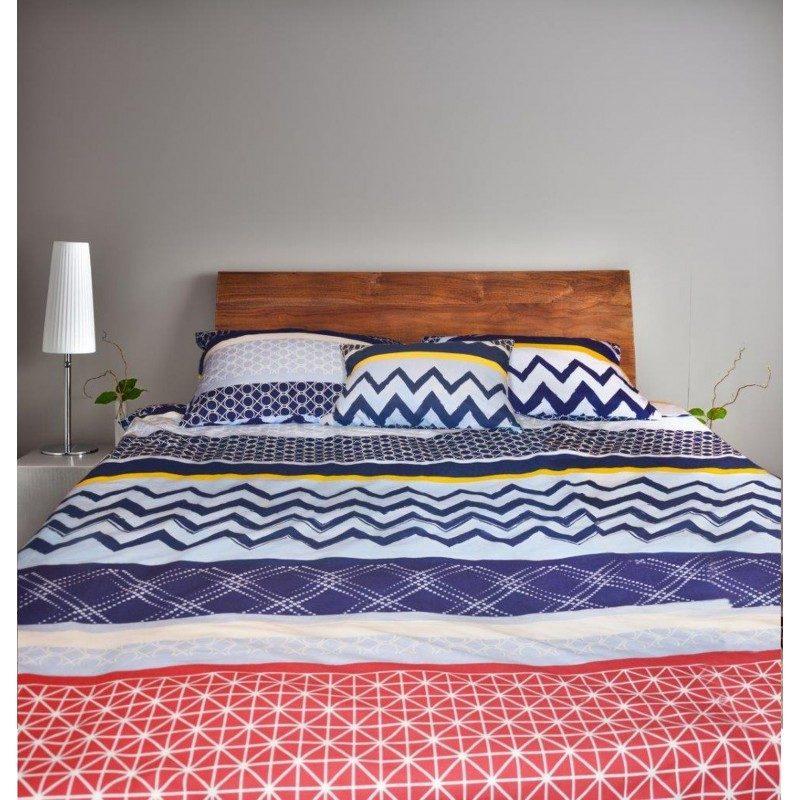 Kvalitetna pamučna posteljina Liana je modernog dezena, sa linijama i u nežnoj plavoj boji. Flanel je pamučni materijal koji se jednostavno održava, slabo gužva i lako pegla. Set sadrži jorgansku navlaku i jastučnicu/ce. Dimenzije: 140x200 + 50x70 i 200x200 + 2x50x70 cm.