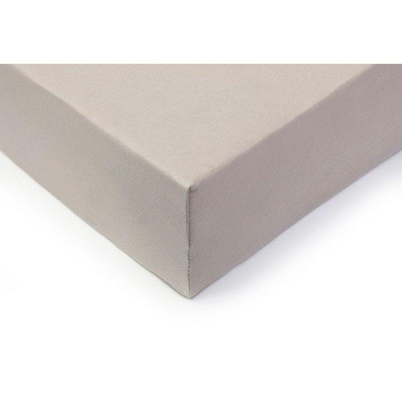 100% češljani pamuk za izuzetnu mekoću. Siva boja.