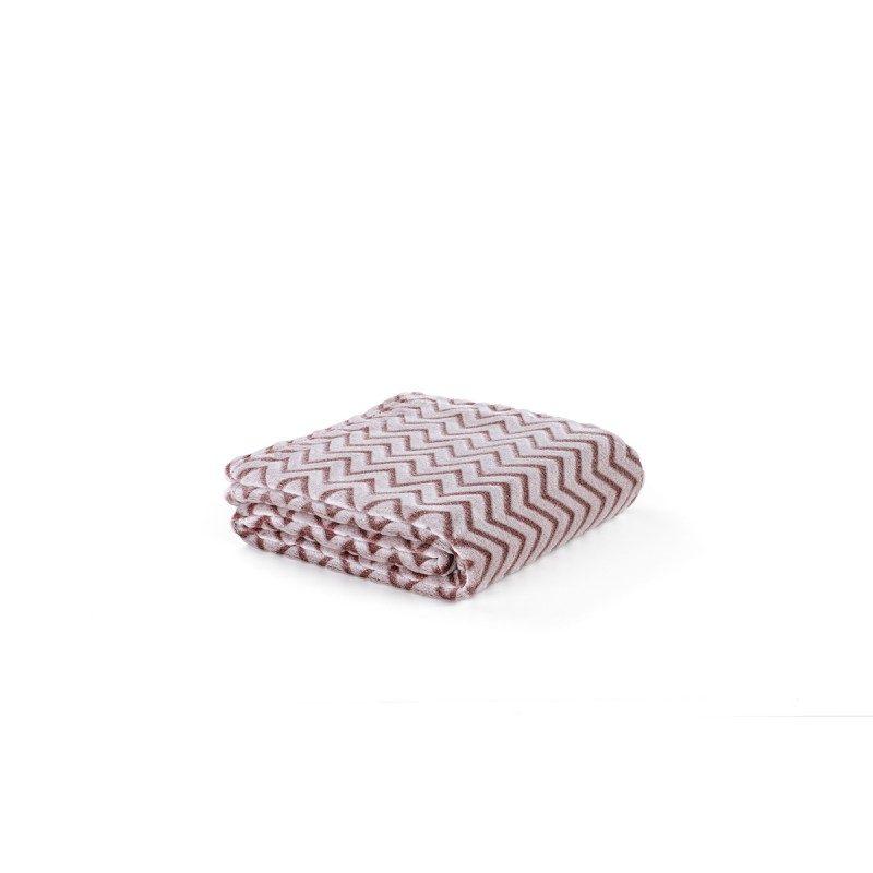 Meka i udobna dekorativna linija Clarissa inspirira u prugastom uzorku dvije boje koje obogaćuju različite prostorije, od spavaće do dnevne sobe.