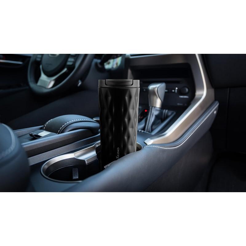 """Termo šolja za kafu ili čaj Rosmarino od kvalitetnog nehrđajućeg čelika sa dvostrukom izolacijskom stijenkom koja održava napitak hladnim do 8 sati i toplim do 4 sata. Šolja za višekratnu upotrebu je najbolja alternativa lšolji za jednokratnu upotrebu, ne sadrži petrohemikalije i BPA, ne pušta umjetni okus pića. Šolja zapremine 500 ml savršene veličine za vaš najdraži napitak """"to go"""": kafu, čaj i slično. Zahvaljujući poklopcu šolja ne prolijeva i 100% zadržava tekućinu. Primjeren za pretežito sve automobilske držače za šolje."""