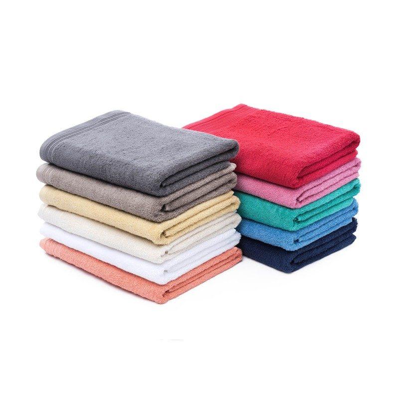 Doživite raskošnu udobnost u svojoj kupaonici! Kvalitetni peškir Prima od pamučnog frotira je izdržljiv, mekan, odlične apsorpcije i brzo se suši. Klasični jednobojni peškir sa bordurom na rubovima. Peškir je periv na 60 °C