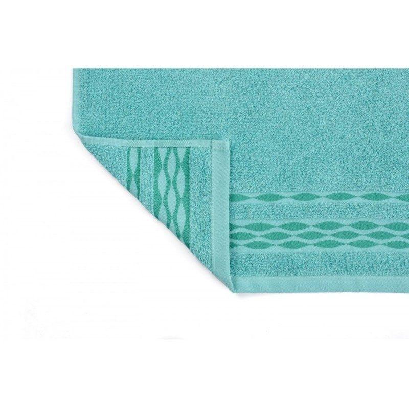 Upijajuća i mekana pamučna tkanina. Dekorativna bordura. Dostupne dimenzije 50x100 i 70x140 cm. Tirkizna boja.