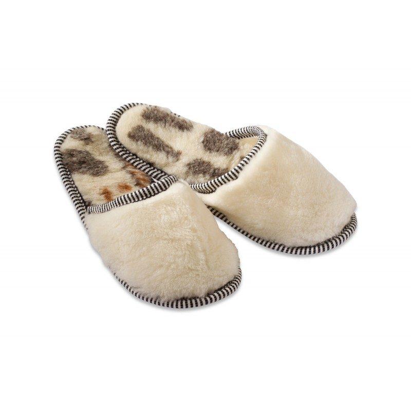 Vunene kućne papuče namijenjene su svima koji imaju hladna stopala ili problema s cirkulacijom.