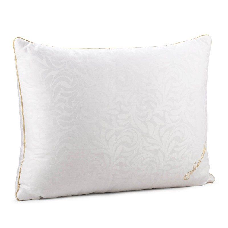 Klasični jastuk od svile Victoria Silk, zbog svoje visine, pogodan je za sve one koji imaju uža ramena i najčešće spavaju na stomaku. Niži i mekši jastuci pogodni su i za osobe sa manjom kilažom. Vaša koža će biti u kontaktu sa 100 % pamukom i prirodnom svilom, što garantuje više svježine i higijensko okruženje za spavanje. Jastuk je u potpunosti periv na 30 °C.