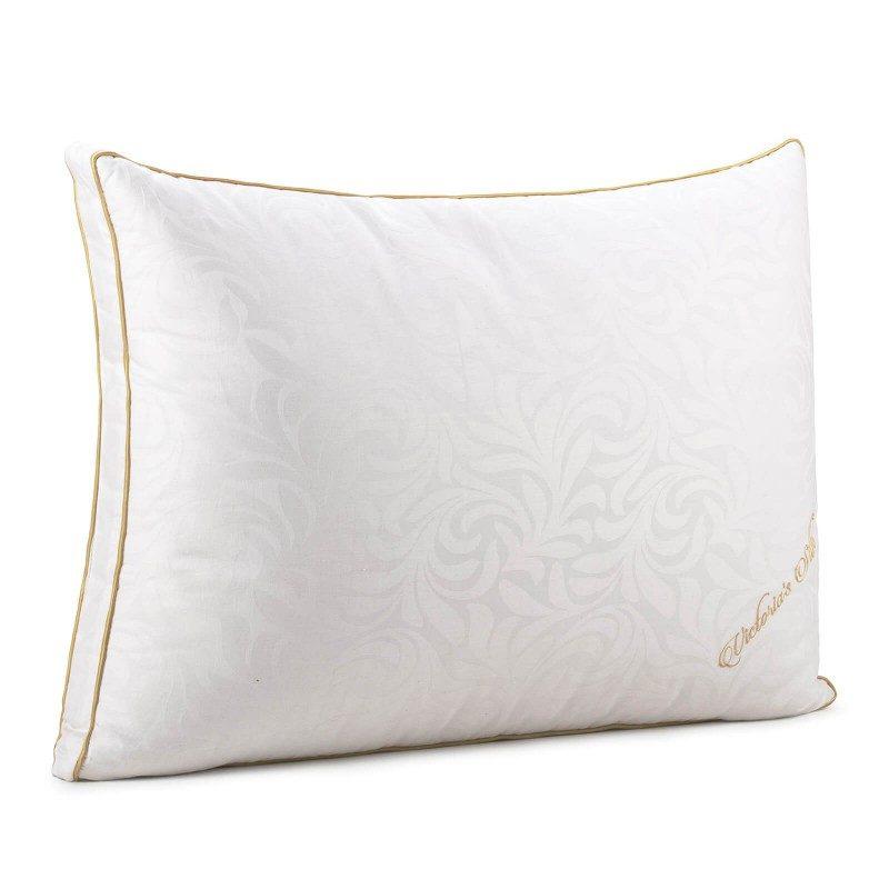 Predstavljamo Vam novu, najprestižniju liniju klasičnih jastuka Victoria's Silk, koji će Vas sa svojim prefinjenim izgledom i luksuznom udobnošću potpuno osvojiti. Izvanredna elastičnost svilenih niti sadrži najbolja mehanička svojstva među svim prirodnim materijalima, što je svilu i njene proizvode učvrstilo na 1. mjestu po kvalitetu i izboru kupaca.
