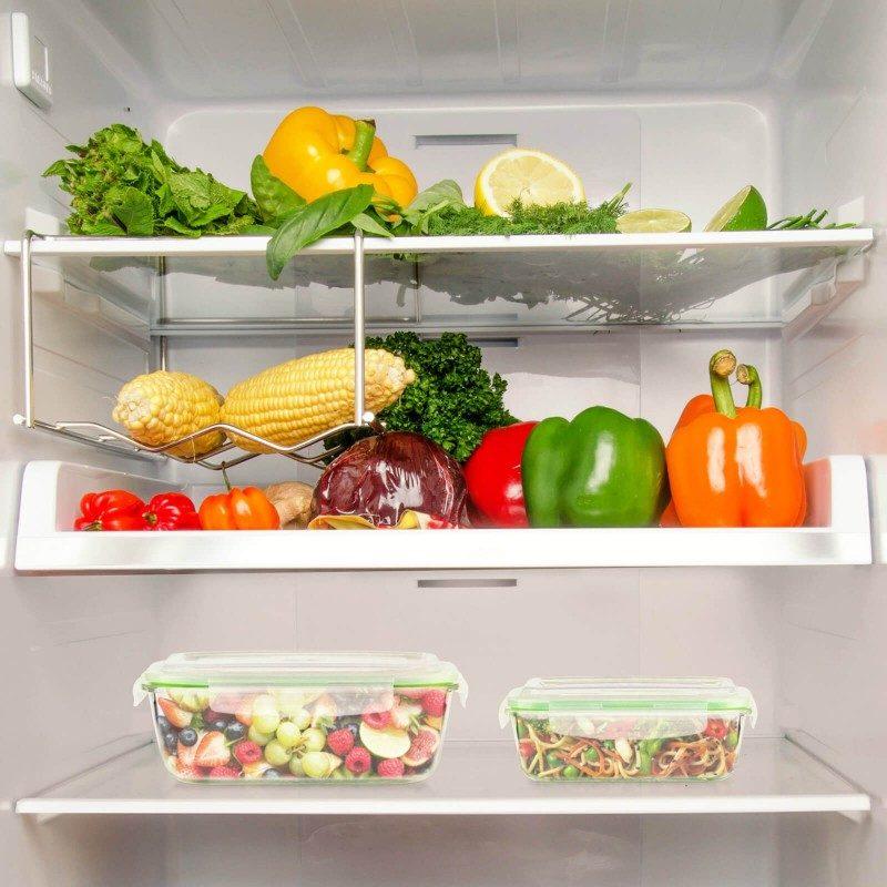 Set od 4 dijela sadrži dvije posude od borosilikatnog stakla koje se smatra najtvrđim staklom, otpornim na visoke i niske temperature. Poklopci za zatvaranje garantuju nepropusnost, hrana će dugo ostati svježa i ukusna. Raznovrsna upotreba vam omogućava da zagrijete hranu u mikrotalasnoj pećnici, uskladištite je u frižideru ili zamrzivaču i ponesete sa sobom u školu, na posao ili na put. Moderan dizajn vam omogućava čak da u njima poslužite hranu. Jednostavno pranje pod tekućom vodom ili u mašini za pranje sudova.